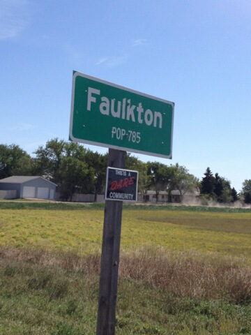 Faulkton South Dakota-population sign