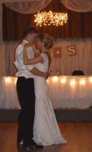 Mr. and Mrs. Sam Lee on their wedding day | http://juliesaffrin.com