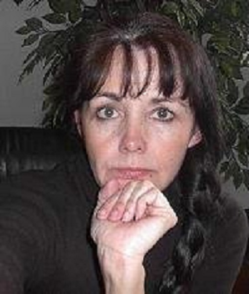Suspense writer, Mary Alford | http://juliesaffrin.com