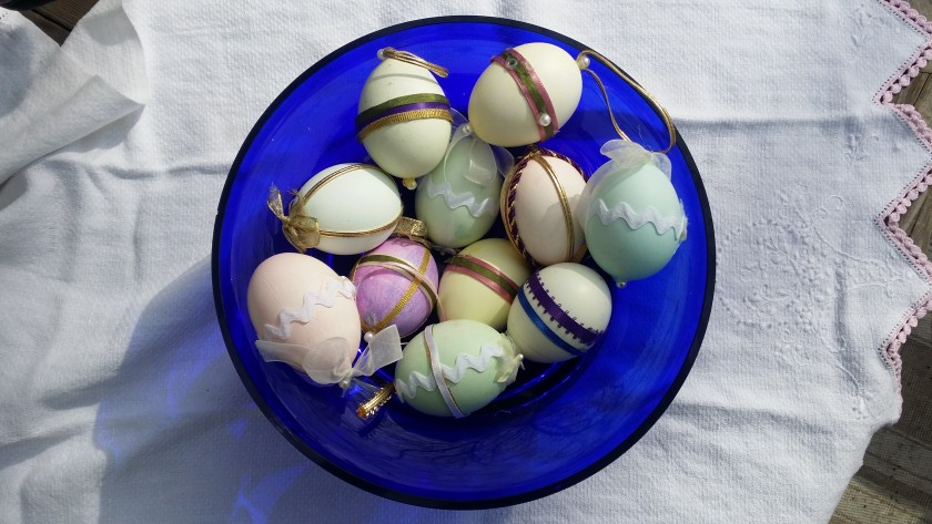 Easter Egg Decorations | http://juliesaffrin.com